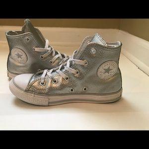 Girls silver converse size 1